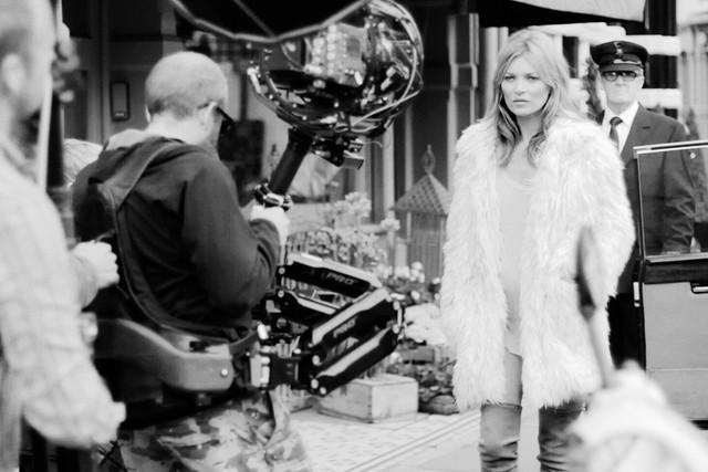 Kate-Moss-for-Stuart-Weitzman-FashionBite-2-1