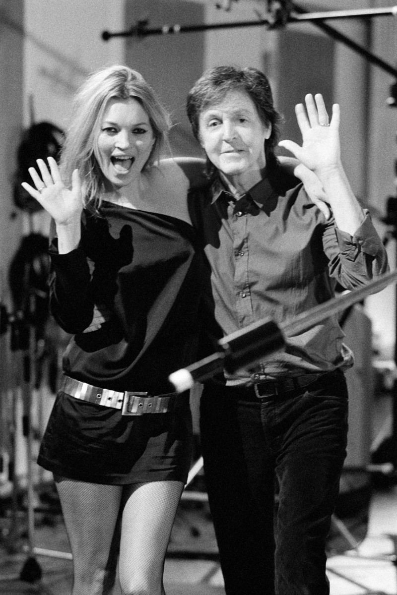 kate-moss-paul-mccartney-vogue-24oct13-mary-mccartney_b